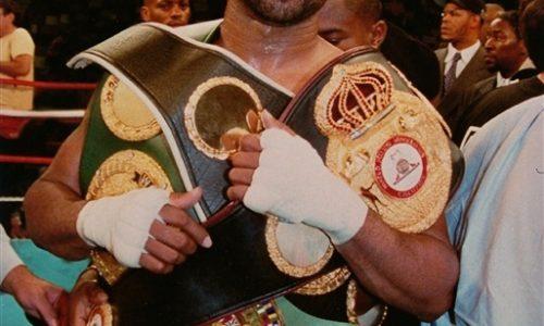 В этот день, 16 января 1969 года родился боксёр Roy Jones Jr.