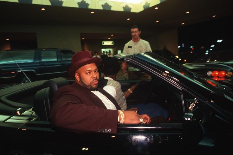 Suge Knight, которого многие обвиняли в убийстве 2Pac, вновь арестован по подозрению в преднамеренном убийстве!!!