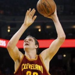 NBA: Тимофей Мозгов набрал больше очков, чем Леброн Джеймс