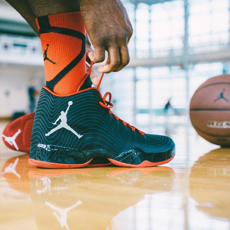 Действительно ли, Air Jordan остаётся самым популярным брэндом, среди баскетбольных кроссовок !?