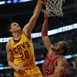 Наши в NBA: Тимофей Мозгов и Алексей Швед в последних обзорах Top 10 Plays