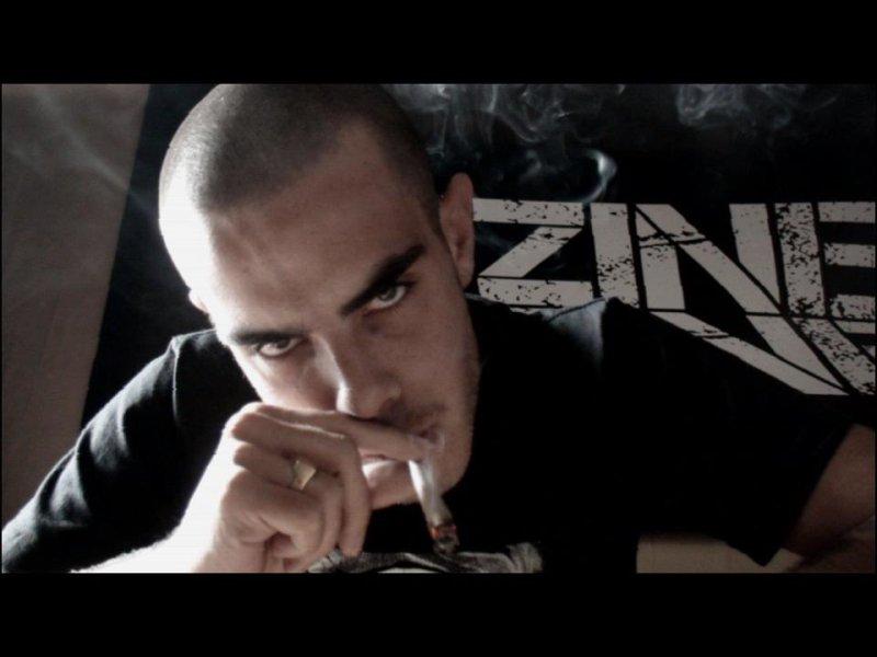 Франция: TonyToxik (L'uZine) представляет новое видео L'état brut и обещает альбом 27 апреля
