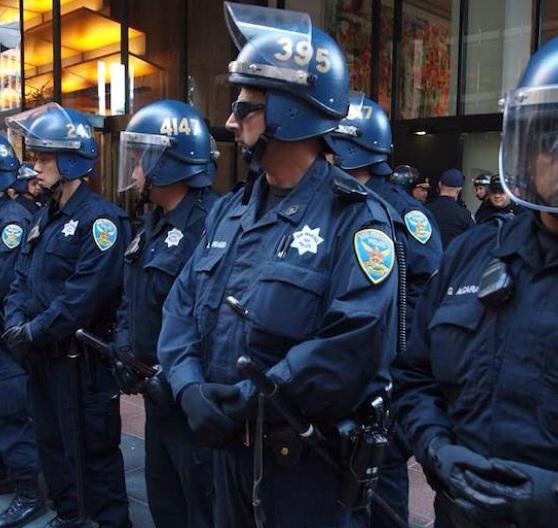В Сан-Франциско уволят 8 полицейских из-за их расистских высказываний