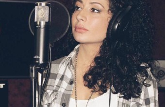 «Эволюция Хип-Хопа», девушка Alyssa Marie исполнила трек под 31 инструментал, за каждый год с 1984 по 2015