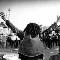 «На чьей ты стороне?» — жёсткий рэп-манифест от Rebel Diaz, Dead Prez и Rakaa на злободневную тематику