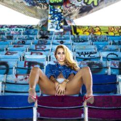 Немного жаркого Майами. Veronica Vega – Pay Me