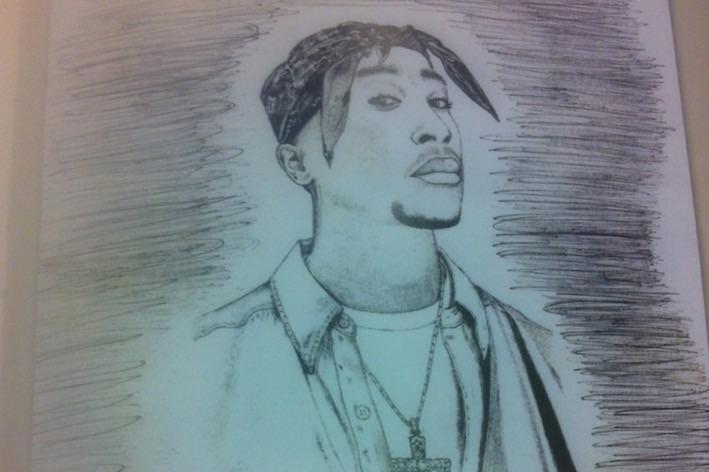 Eminem отправил письмо и рисунок для матери Тупака Шакура