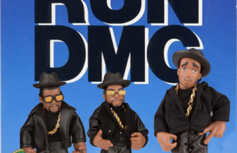 Игрушечный хип-хоп мир в лице Run-DMC, Eminem, Notorious BIG, 2Pac, Snoop, 50 Cent, Public Enemy, MF Doom и даже Стив Джобс