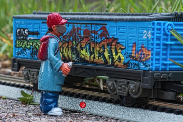 kahns-hip-hop-toy-box-23