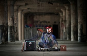 Смотрим живое выступление хип-хоп битмейкера Damu the Fudgemunk в Питере