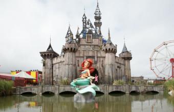 Banksy пожертвует деньги заработанные своим Dismaland, в помощь беженцам наводнившим Европу