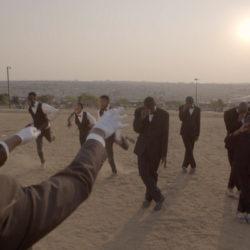 Зажигательный джаз и танцы на песке от британцев Sons Of Kemet, претендующие на звание The Best Jazz Video All Year