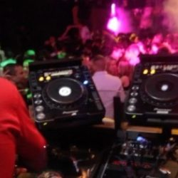 "DJ Jazzy Jeff и Kool DJ Red Alert примут участие в документальном фильме ""Give It Up For The DJ!"""