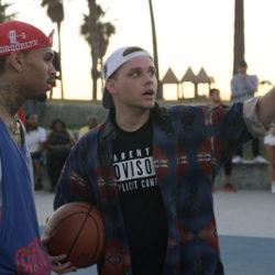 Cal Scruby и Chris Brown в новом видео вспоминают фильм «Белые не умеют прыгать»