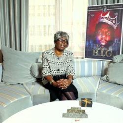 Voletta Wallace знает, что Puff Daddy и Suge Knight оба несут ответственность за смерть ее сына The Notorious B.I.G.