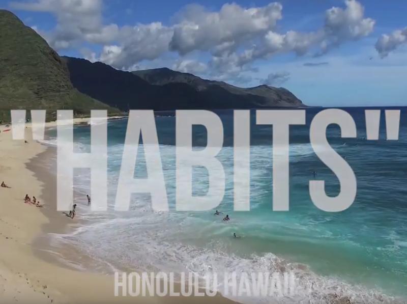 Задорный J Diggs расскажет вам о своих замашках в новом клипе «Habits»