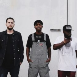 Dream Junkies бросают вызов всем MC в своем новом видео «Get A Bar Bandwagon»