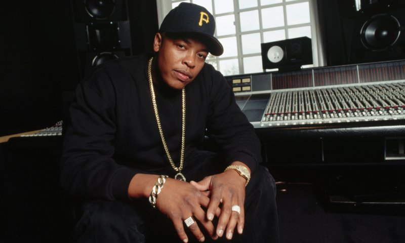 1994, Los Angeles, California, USA --- Rap Artist Dr Dre at Home --- Image by © Neal Preston/Corbis
