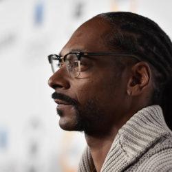Snoop Dogg объявил о том, что собирается спасти компанию «Roscoe's House Of Chicken And Waffles»