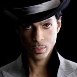 Еще один грустный день в истории музыки: скончался Prince