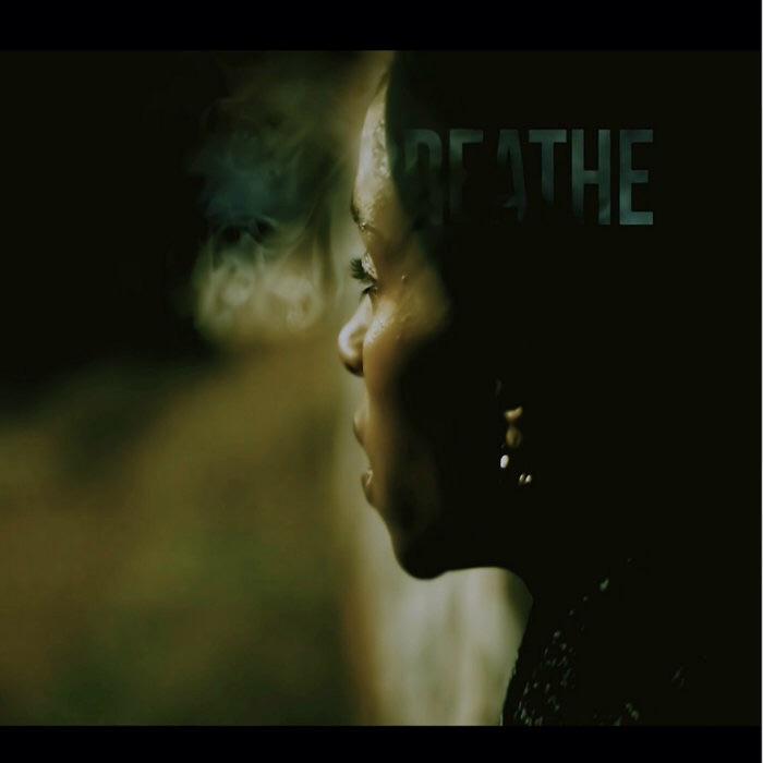 Настоящий женский рэп в новом видео Njeri Earth «Breathe»