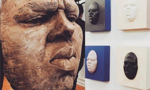 Для выставки в Нью-Йорке вылепили большую голову Notorious B.I.G.