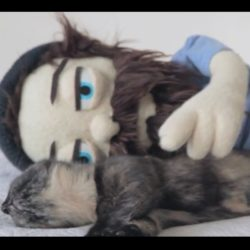 В новом видео «Kirby», Aesop Rock призывает заботиться о бездомных животных