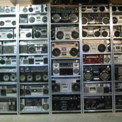 Житель Новой Зеландии решил продать свою коллекцию бумбоксов