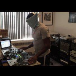 DJ Rob Swift (X-Ecutioners), запилил трек Run-DMC с закрытыми глазами