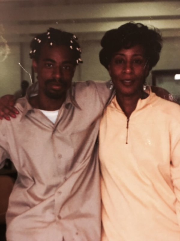Mac_Dre_and_his_mother_Wanda_Salvatto_AKA_Mac_Wanda._Image_courtesy_of_Wanda_Salvatto_civcgx