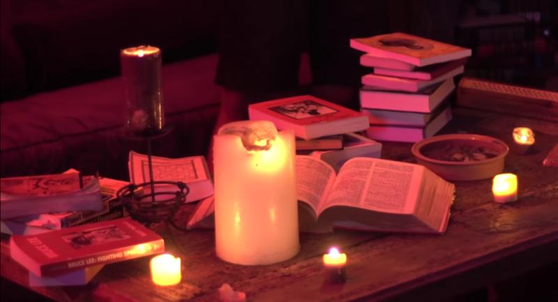«Следуй за своим сердцем», — говорит Hotboi в своём новом видео  «The Oracle»