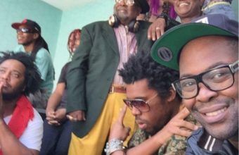Фанк: Parliament и Funkadelic под предводительством George Clinton исполнили трек «Flash Light»
