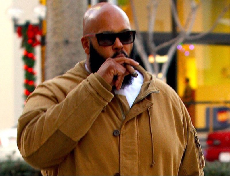 Суд над Suge Knight по поводу ограбления отложен до 2017 года