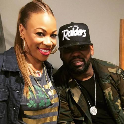 Raekwon записал трек «Raw» с женой Talib Kweli по имени DJ EQue