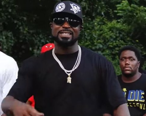 Young Buck – «Bury The Bag»