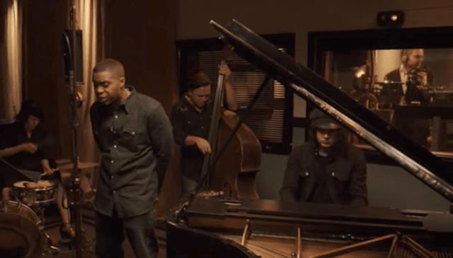 Nas исполнил  «One Mic» под живой аккомпанемент