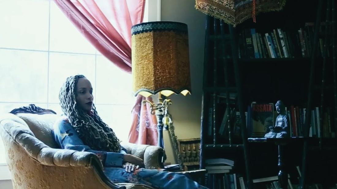 Sa-Roc с новым честным видео «The Reckoning»