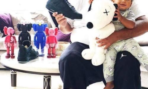 DJ Khaled похвастался редкой моделью кроссовок Air Jordan 4 из серии Friends and Family Kaws