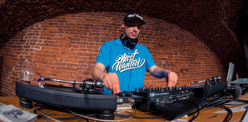 Большое интервью с DJ Tonik: о радио MostWanted, Легальном Бизне$$е и конечно диджеинге
