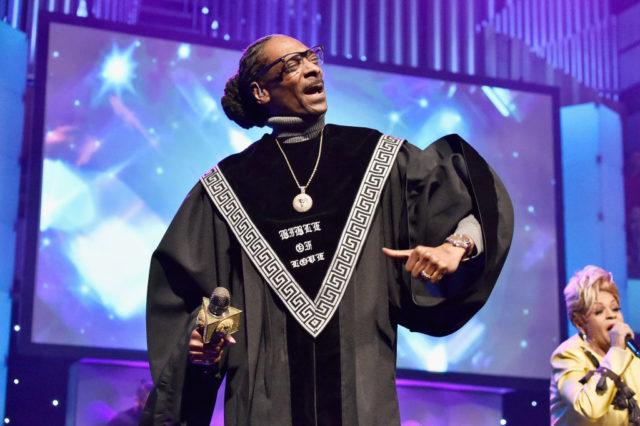 Snoop Dogg – «Words Are Few» (feat. B Slade)