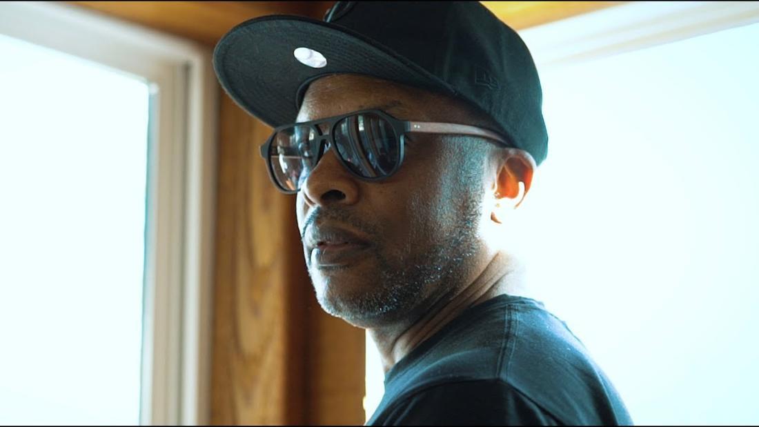 DJ Jazzy Jeff — «Skaters Paradise» (feat. Rhymefest & Dayne Jordan)