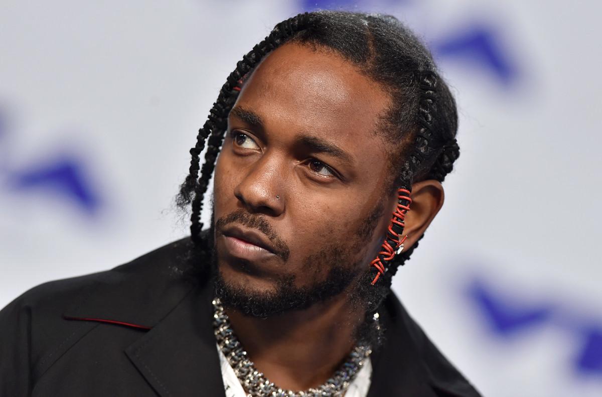 В сети всплыли 8 неизданных треков Kendrick Lamar. Есть совместные работы с Busta Rhymes, SZA, Jay Rock и даже с Michael Jackson