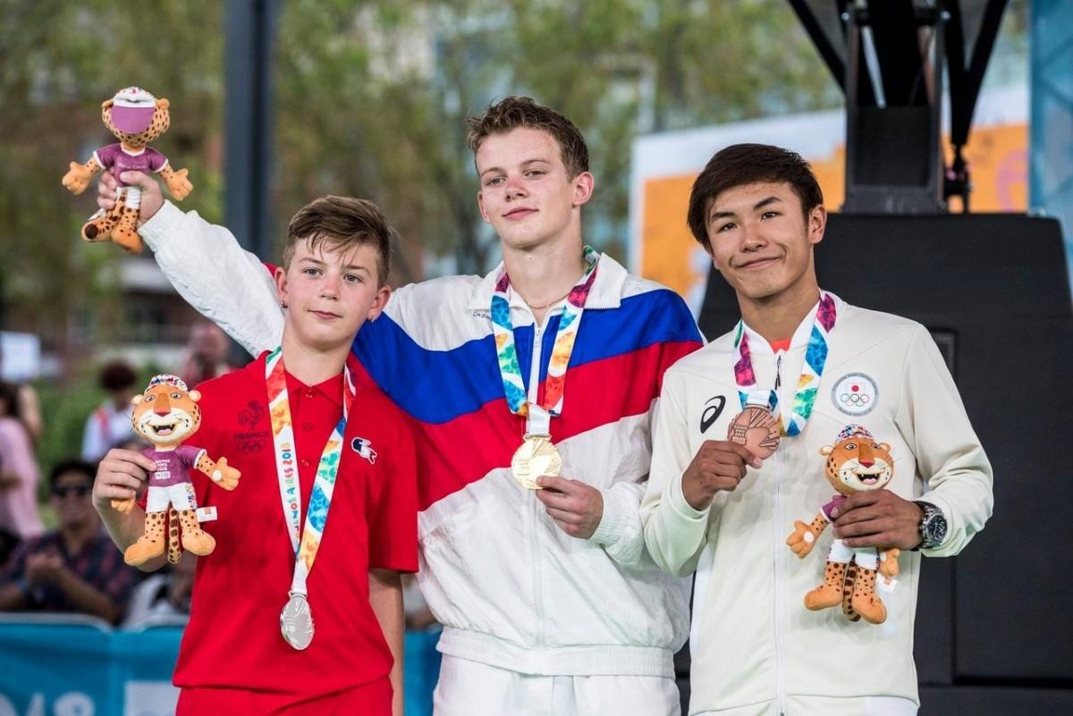 Первым олимпийским чемпионом по брейк-дансу стал россиянин Сергей Чернышев (B-boy Bumblebee)