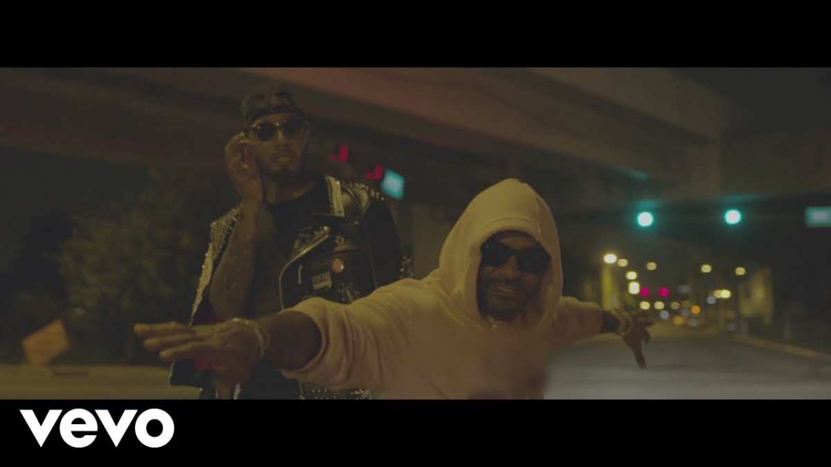 Swizz Beatz — «Preach» (Feat. Jim Jones)
