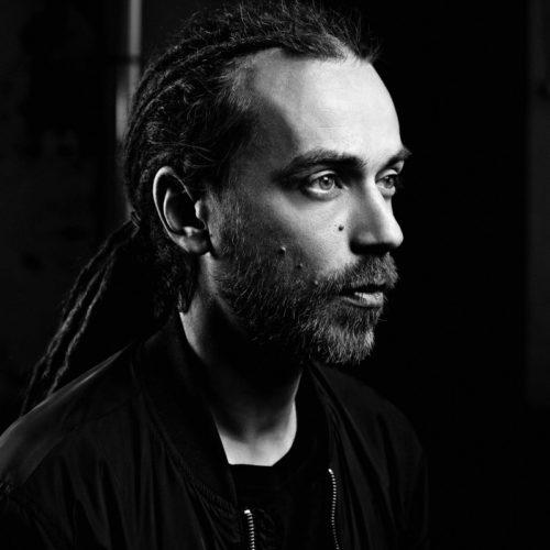 Децл анонсировал новый альбом «Неважно кто там у руля» и выпустил первый сингл с него