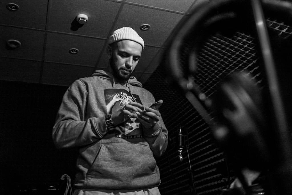 ST выпустит новый альбом «Поэт» и собирается попасть в Книгу рекордов Гиннесса