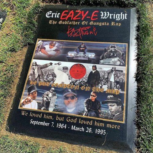 Eazy-E благословили новым надгробием на его 55-й День рождения