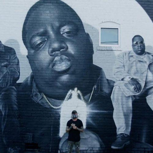 Посмотрите видео, как создавался большой рисунок The Notorious B.I.G. в Атланте