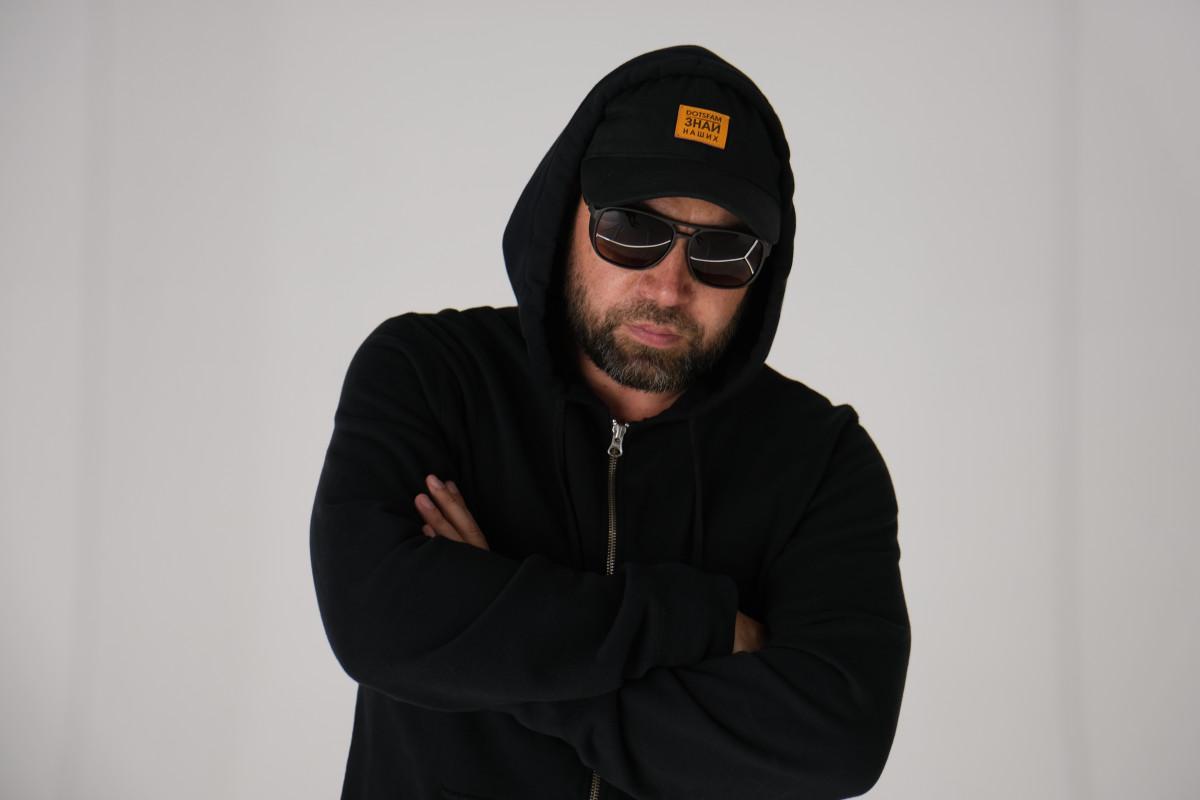 Эксклюзив на HH4R: интервью Руставели. О новом альбоме стихов, карантине, вреде алкоголя и влиянии Дельфина