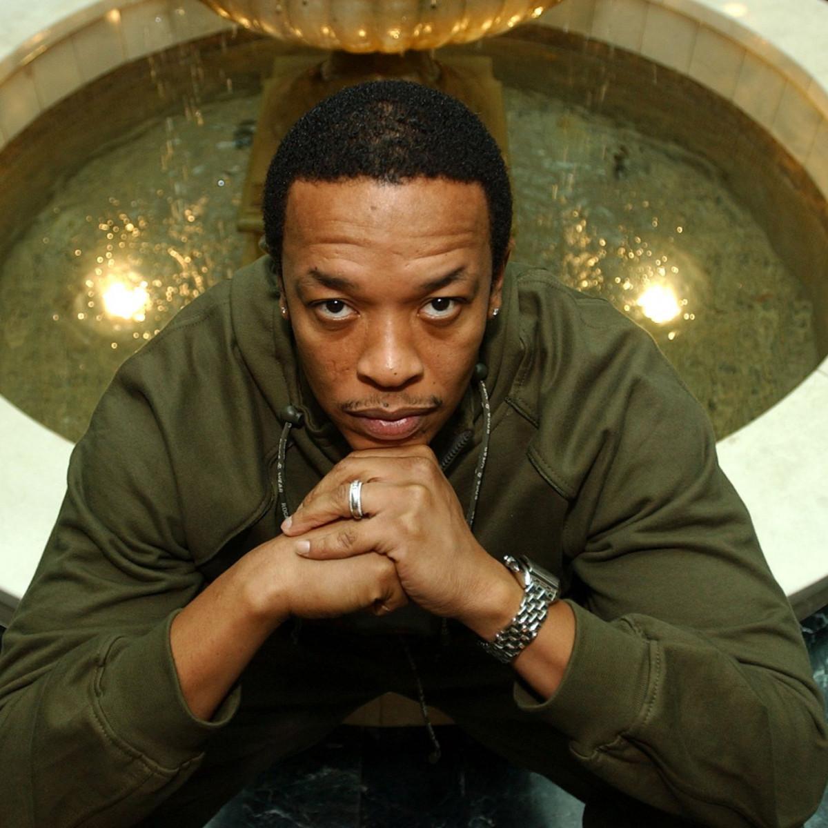 Dr. Dre — «Get It» (feat. Sly Pyper)